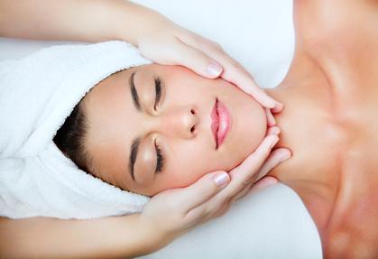 Skuteczne oczyszczanie skóry twarzy, dekoltu i pleców