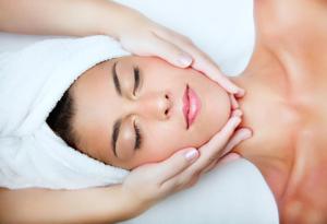 Oczyszczanie skóry twarzy, dekoltu, pleców